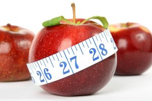 Dieta na zrzucenie zbędnych kilogramów? O co w tym wszystkim chodzi?